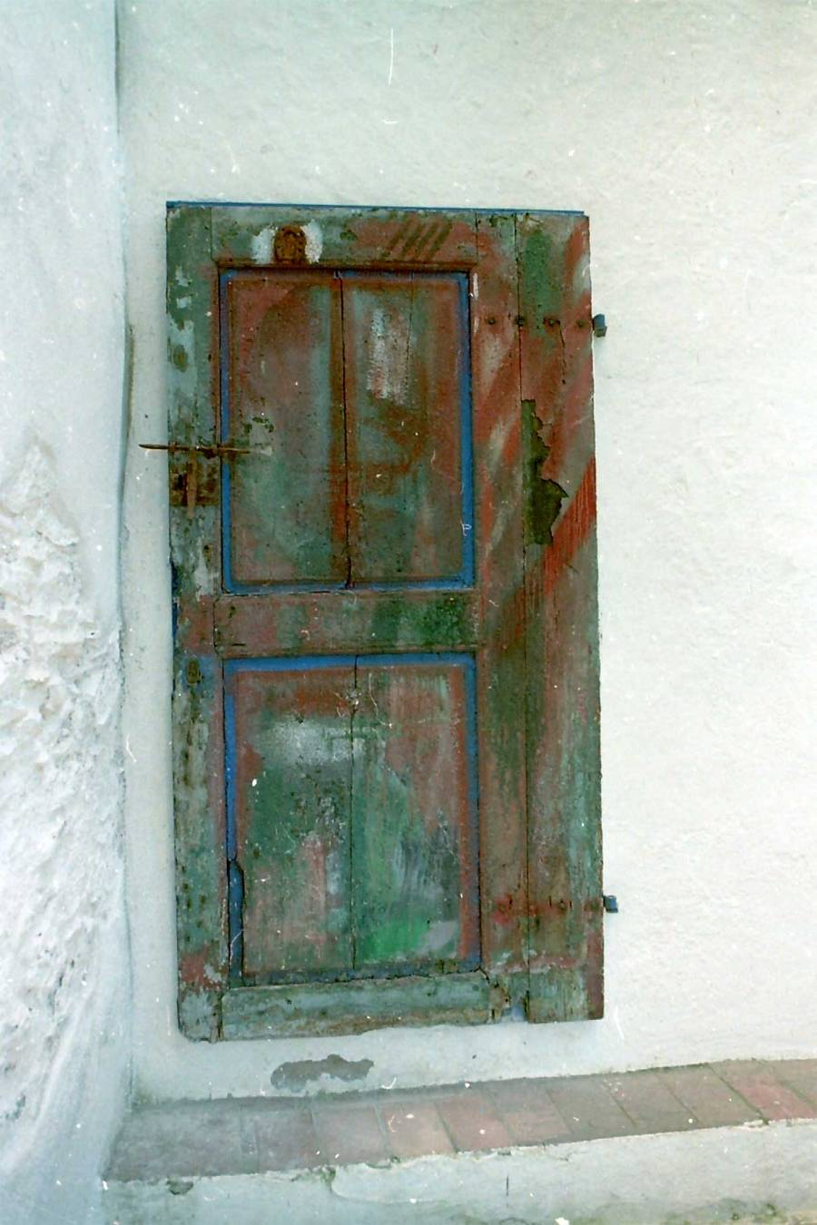 Door to the sea side, at the Dali compound in Port Liggat, Spain. photo:napob95